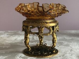 VTG ORMOLU HOLLYWOOD REGENCY GOLD PLATED CHERUB PEDESTAL w/AMBER HOBNAIL DISH