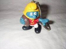 VINTAGE SCHLEICH FOOTBALL SMURF KEYCHAIN HONG KONG 1980 W.BERRIE NEW OLD STOCK