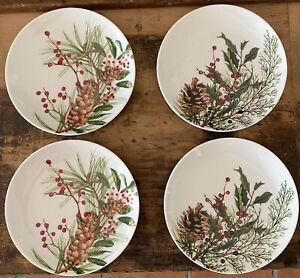 Williams Sonoma Woodland Berry Christmas Pine Cone Holly Appetizer Plates Set, 4
