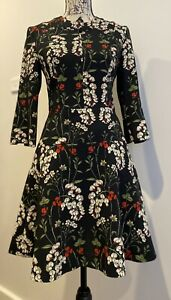 Cue Beautiful floral dress size 8