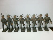 Konvolut 8 alte Lineol Massesoldaten Marschzug Heer + Flak zu 7.5cm