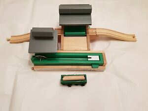 Thomas The Tank Engine & Friends WOODEN SAWMILL WITH DUMPING DEPOT PLUS LOG