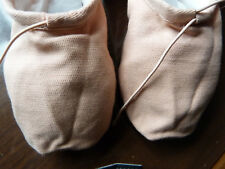 New split sole pink canvas ballet shoes by Chacott