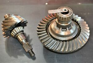 """1969 Factory 9"""" Rear End Ford Ring Gear & Pinion Differential 3.00 Gears Torino"""