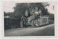Frankreich Beute Panzer/Tank Char an der Straße le Cateau-Cambrai 1940 (1676)