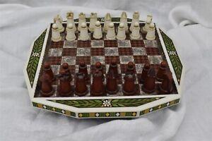 Enesco 2003 Craft Resin & Ceramic Designer Chess Game Set Marquetry