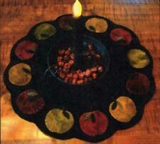 Apple Cobbler Table Mat Fruit Autumn Wool Pattern Primitive Gatherings