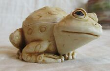 "Harmony Kingdom ""Bog Hopper"" Frog Figurine Trinket Box Collectible"