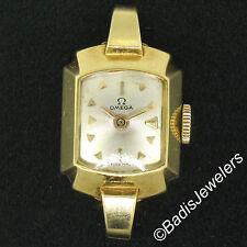 Petite Vintage Ladies 18K Yellow Gold Hand Wind Omega 17J Swiss Made Wrist Watch