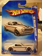 Hot Wheels '65 Mustang Fastback Muscle Mania White