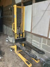 More details for manual hydraulic stacker 1000kg capacity - mode sdj-1000