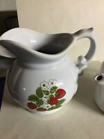 Vintage MCCOY STRAWBERRY COUNTRY CREAMER * SUGAR WITH LID #1421 1980
