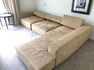 B&B Italia couch, model: Andy. Designer: Paolo Piva