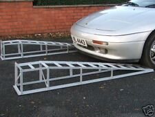 Sports car long low profile, low angle, incline lifting Ramps 2000Kg a pair