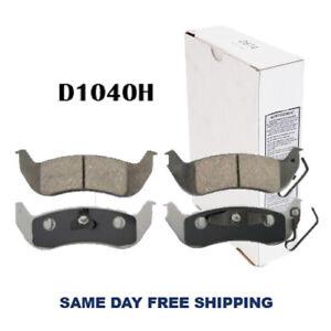 Ceramic w/Hardware Rear Brake Pad For Ford Crown Victoria 03-07