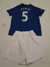 Kit de fútbol niños Everton Talla 6-7 años número 5 eto'o Umbro