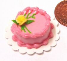 1:12 Scale Dolls House Miniature Round Cake With Strawberry Icing Accessory T13