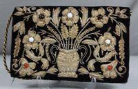 Abendtasche aus Samt mit plastischer Goldstickerei, Glasperlen & Kordel (B)/319