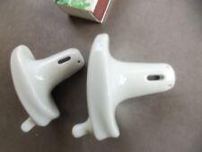 2 anciens ustensiles en porcelaine pour lavement féminin F GRATIEUX PARIS (?)