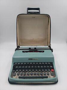 Vtg Olivetti Lettera 32 Typewriter Cyrillic Portable Manual Blue w/ Case aa5