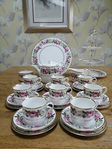 Royal Worcester ROYAL GARDEN tea set for eight, with 3 tier stand