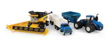 1/64 New Holland CR8.90 Combine w/Grain & Corn Heads Diecast Age 3+ ERT13933