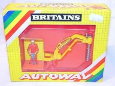 Britains AUTOWAY Road Series 1:32  POST HOLE DIGGER + Figure 9832 MIB`83 RARE!