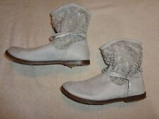 Justice Off White BOOTS WOMENS SIZE 8