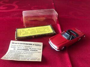 NOREV Ancien 1/43 FIAT cabriolet 1500 N*66 Couleur Rouge avec boite d'origine