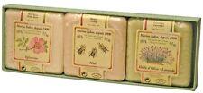 3 Savonnettes MARIUS FABRE panachées 3 x 100 g dans un étui parfumées lavande