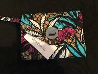 Vera Bradley Your Turn Smartphone Wristlet  MSRP $44.00 in Canyon Road
