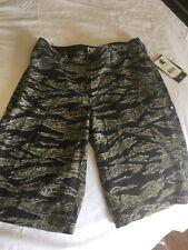 New DC Surf Shorts SIZE 25 BOARDSHORTS 4 Way Stretch Camouflage print