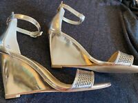 Enzo Angiolini Nordstrom Womens Earaledy Gold Wedge Ankle Sandals Heels sz 7