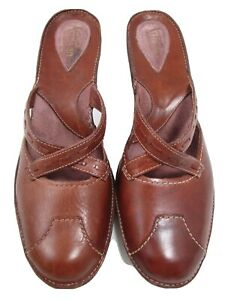 Clarks Artisan 8.5 M brown leather mules with crisscross strap detail clog