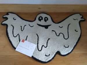 """LOLOI Spooky Season Halloween Ghost Accent Rug 20"""" x 32"""""""