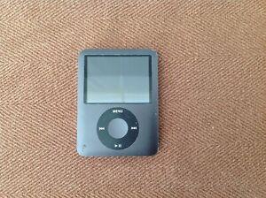 Apple iPod Nano 8GB Black 3rd Gen Model A1236 - Works !