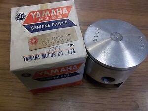 YAMAHA RT1-B/M/MX 1970 1971 2nd O/S .50 NOS OEM PISTON 284-11636-00-00