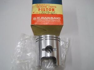 KAWASAKI NOS PISTON +0.50 O/S  13029-052  S2 S2A