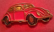 PIN'S VOITURE  VW COCCINELLE  ROSE  /  SUPERBE
