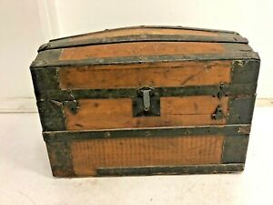 Vintage STEAMER TRUNK storage chest camelback humpback brown antique old toy box