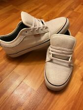 VANS CHUKKA LOW WHITE LEATHER 11.5 PERFORATED RARE PLAIN BASIC IN VOGUE