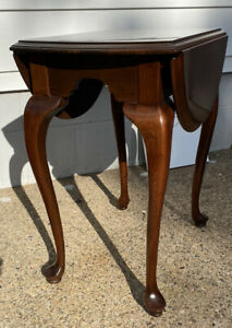ETHAN ALLEN GEORGIAN COURT CHERRY QUEEN ANNE DROP LEAF END TABLE, 11-8013 Item B