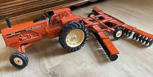 Allis Chalmers 200 AC-152-G toy tractor and disc Ertl 1/16 Vintage 1970's