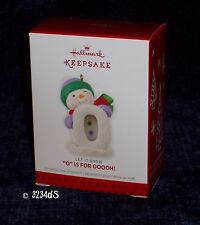 """2013 Hallmark """"O"""" IS FOR OOOOH! Let It Snow Ornament Frosty Fun Decade Character"""
