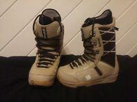 Burton Moto Snowboard Boots. Men sz7 (W8.5). Imprint1 Inserts. Great Condition.