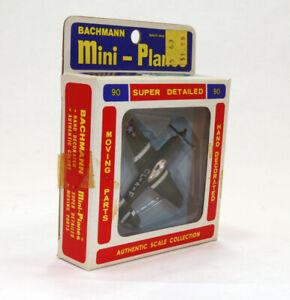 sz 1/150 Bachmann Mini-Planes #90 GREEN NA P-51 Fighter Aircraft WWII era USAAF