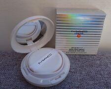 1x MAC Lightful C SPF 50 Quick Finish Compact + additional refill, #Extra Light