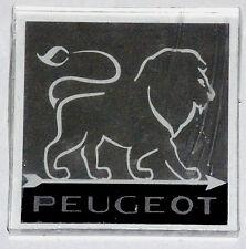 PRESSE PAPIER PUBLICITAIRE INCLUSION AUTOMOBILE LION PEUGEOT