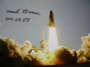 MARK BROWN Authentic Hand Signed Autograph 4X6 Photo - NASA ASTRONAUT