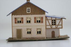 altes Haus Fachwerk mit Anbau in Pappe Bauweise  Erzgebirge Spur S H0 Handbemalt